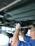 10款傲虎14万公里变速箱维护,拆油底更换滤芯,循环机换油。