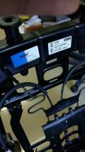 途锐座椅内部还挺复杂的,拆气囊换高6气囊。