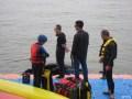 金山湖畔  水上飞人