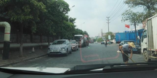 【新车谍照】当翼搏偶遇14寸大屏新款SUV马赛克版!
