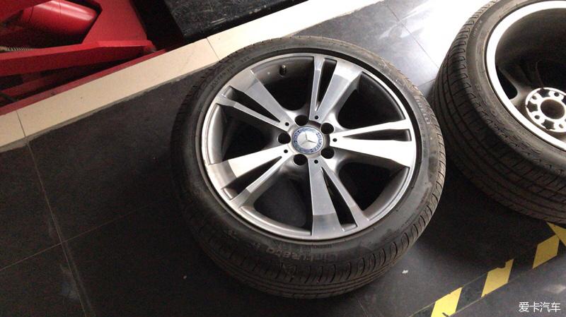 车轮根e���!�.���/_> 新e的19寸轮胎鼓包了