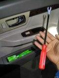 这也可以自己来:老君威更换全车锁芯之前门锁芯