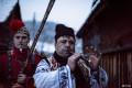 """一年一度的""""群熊乱舞"""": 罗马尼亚传统迎接新年舞熊活动"""