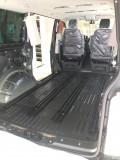 爱干净的老板把原车地板换成木地板