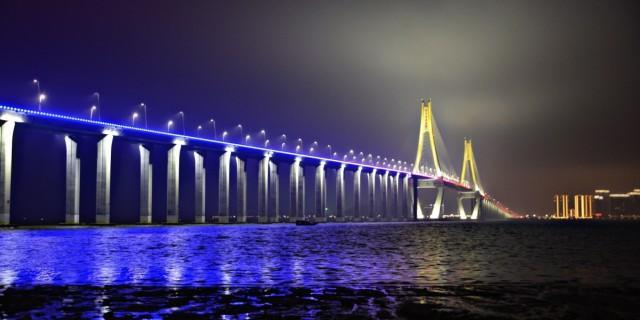 广东第一跨海大桥