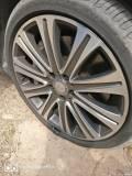 右前轮爆胎,可以换不同品牌的轮胎吗