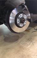 MKZ刹车盘中间锈成这样没事吗?