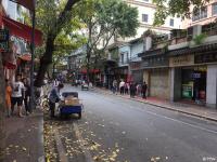 _游走在广州荔湾老城区的街头!