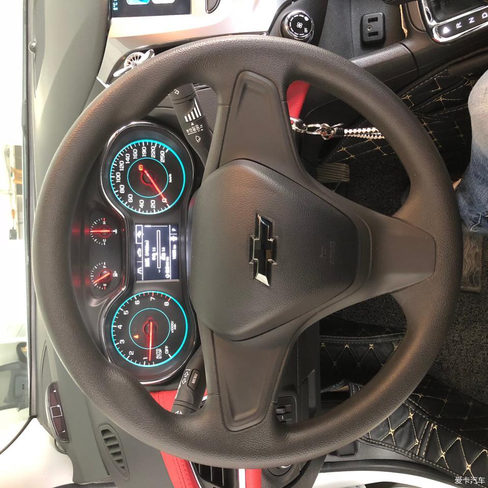 苏州小白科鲁兹加装多功能方向盘 定速巡航 音控按键