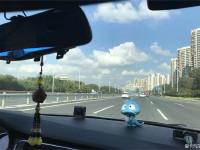 驾驶雪铁龙C3-XR去感受乡下的蓝天白云