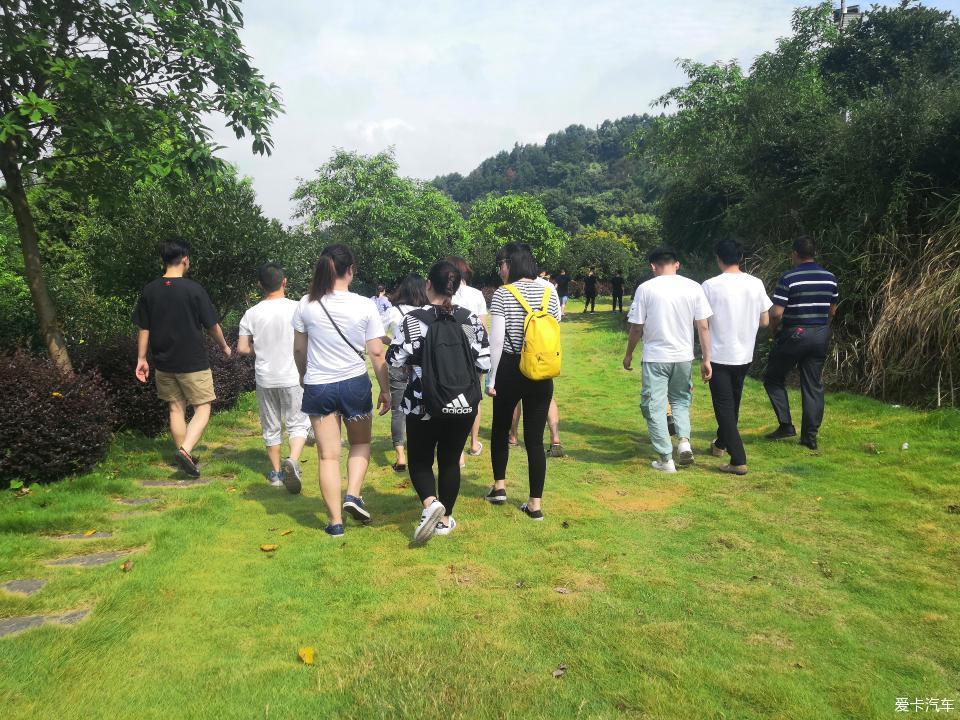 """""""小周末大幸福""""有你们的陪伴一起去漂流,度过夏日重庆的""""热""""!"""