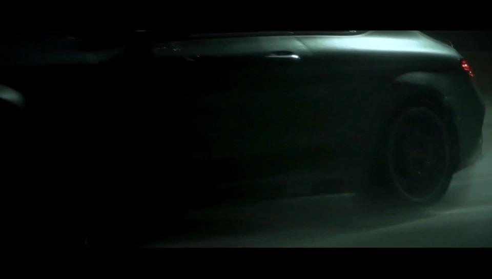 蜀黍,这里有台C63炸隧道……
