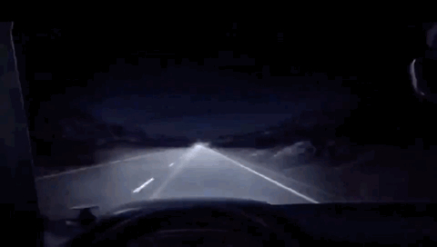 宝马7系激光大灯,有钱买大灯真香,走在路上你就是最靓的仔,靓仔
