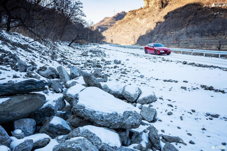 公路映画体验阿尔法罗密欧Giulia XCAR 爱卡汽车俱乐部