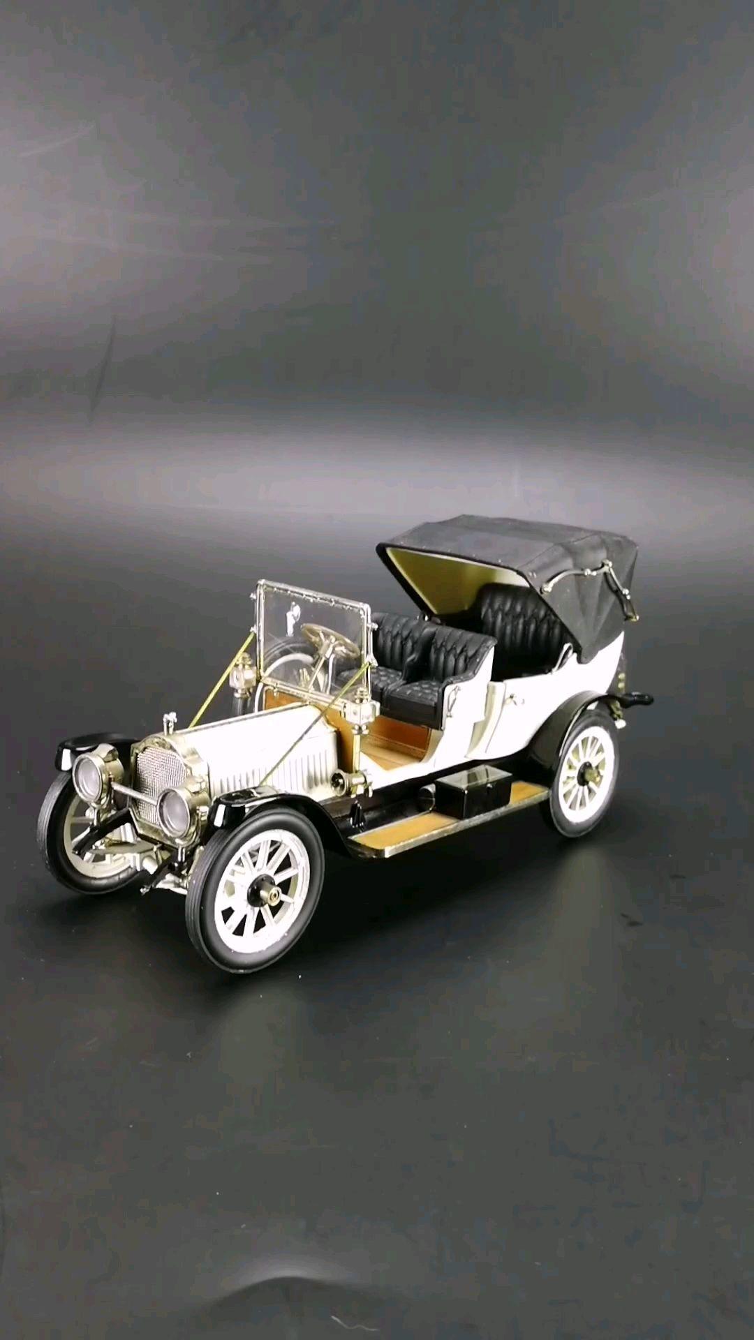 1912美国柏加维多利亚轿车。1:24比例,东晓汽车模型收藏馆藏品。