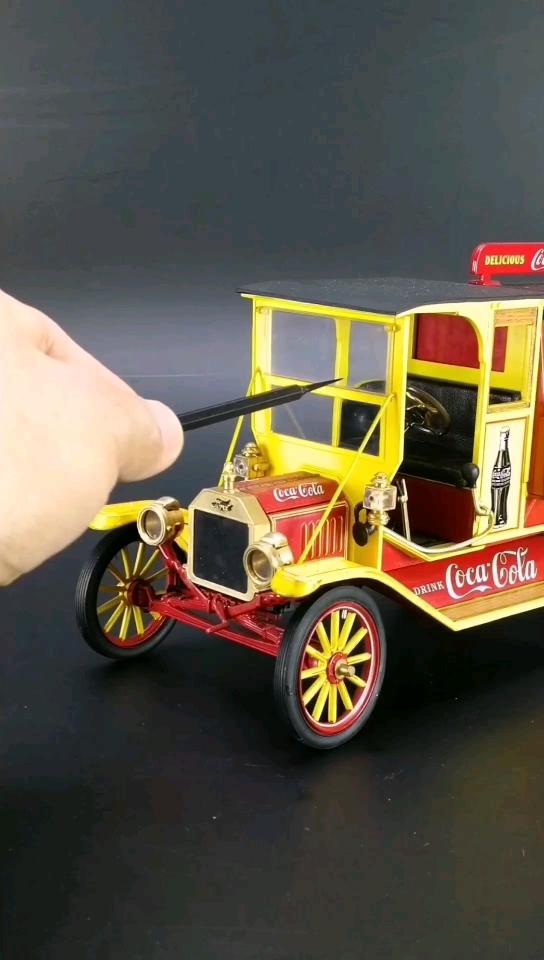 1916福特T型可口可乐汽水送货车。1:16比例,东晓汽车模型收藏馆藏品。