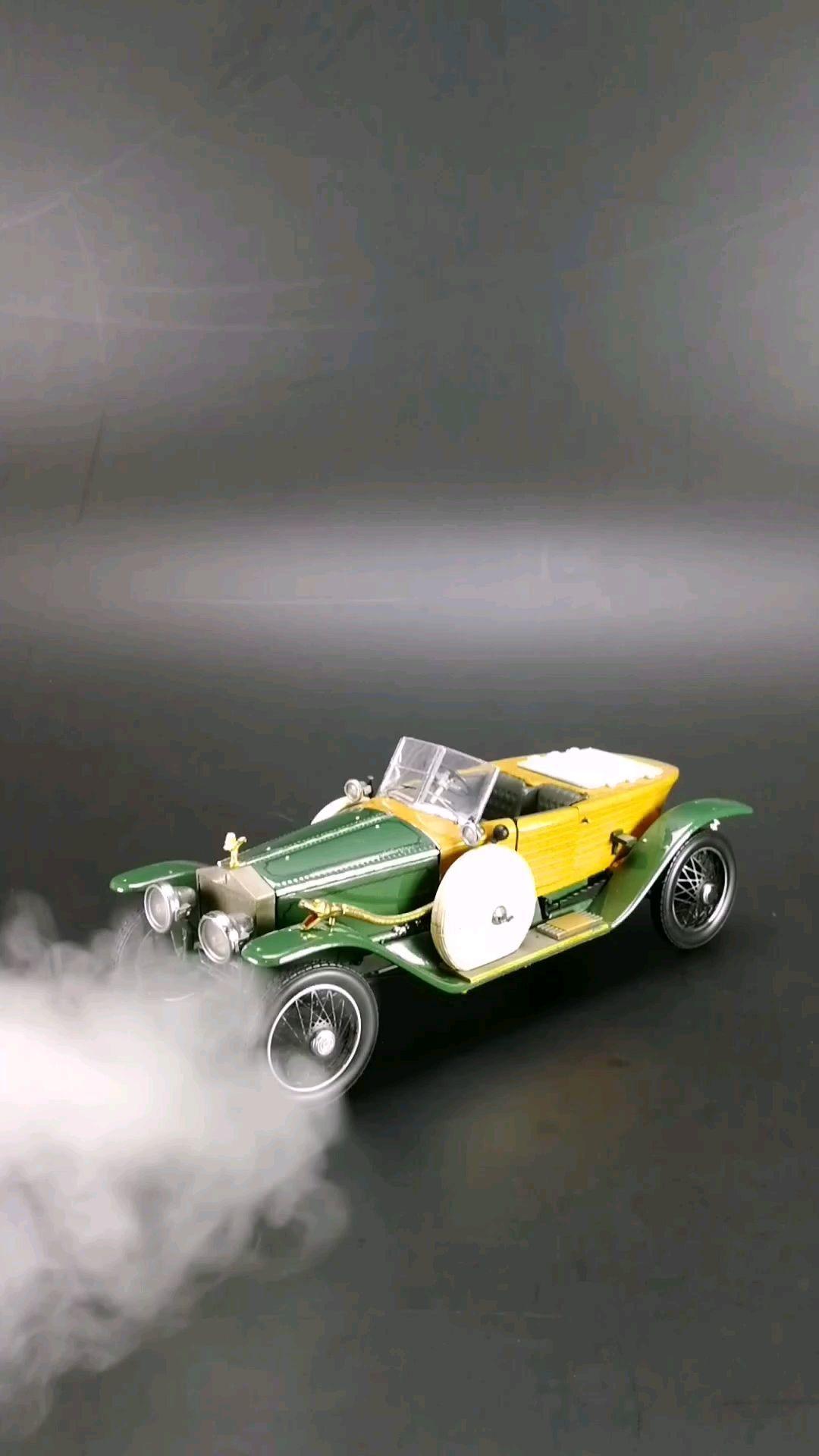 1914劳斯莱斯银灵船尾型跑车,木头车身,1:24比例,东晓汽车模型收藏馆藏品。