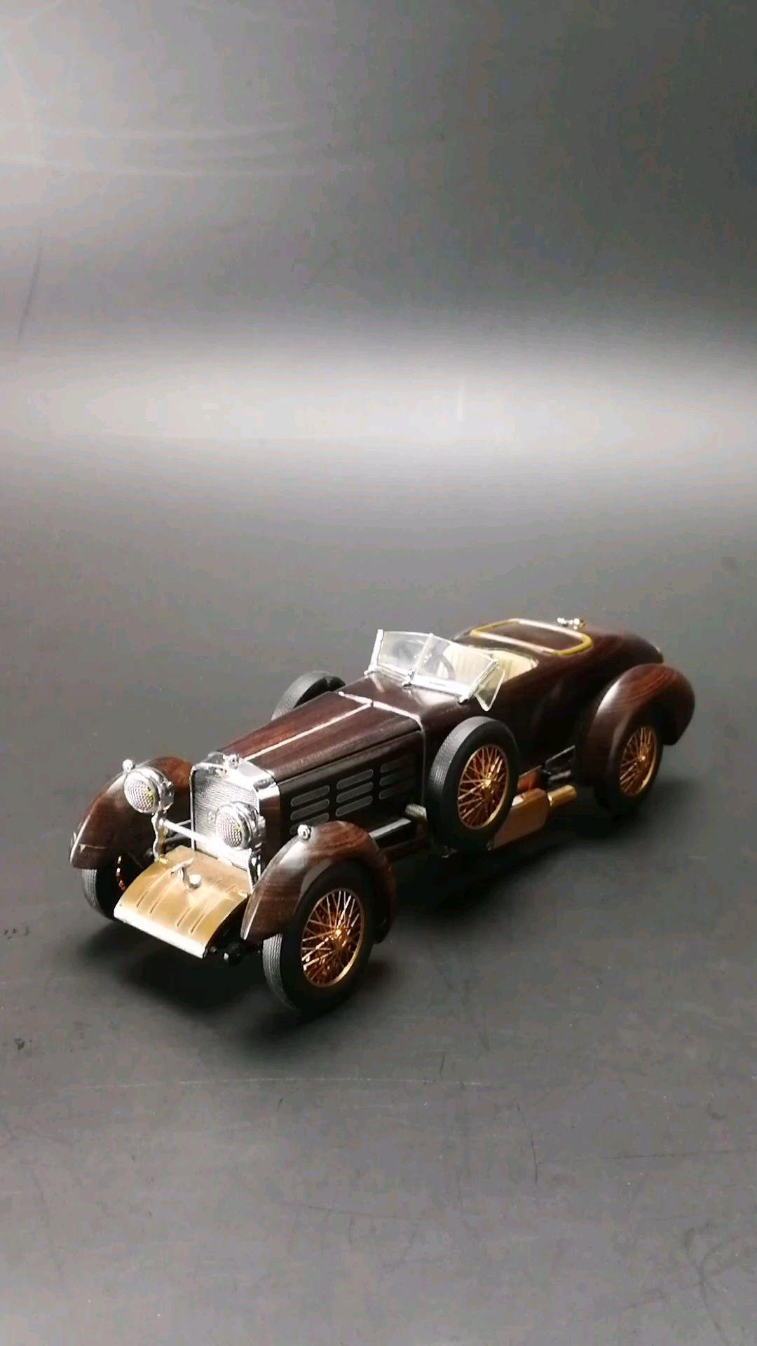1924喜事伯苏珊郁金香木头跑车,1:24比例,东晓汽车模型收藏馆藏品。