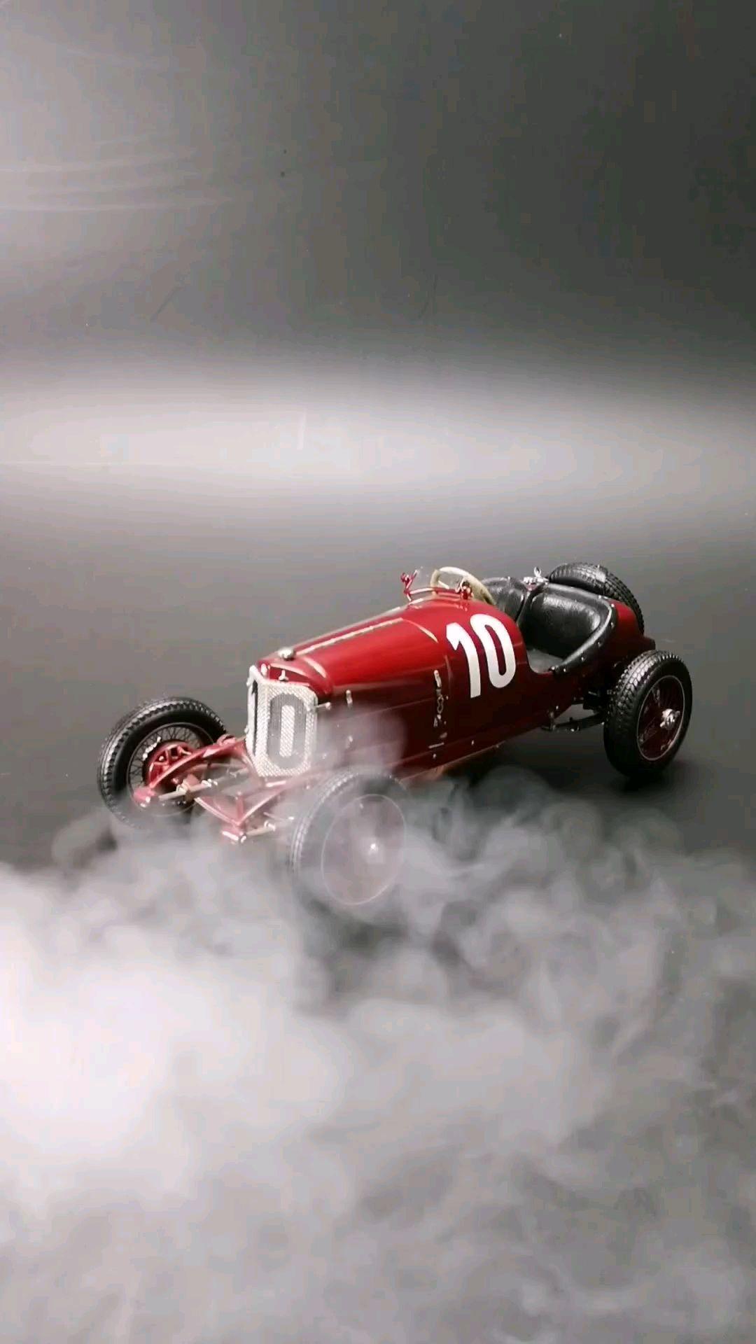 1924戴姆勒泰格冠军10#赛车。1:18比例,东晓汽车模型收藏馆藏品。