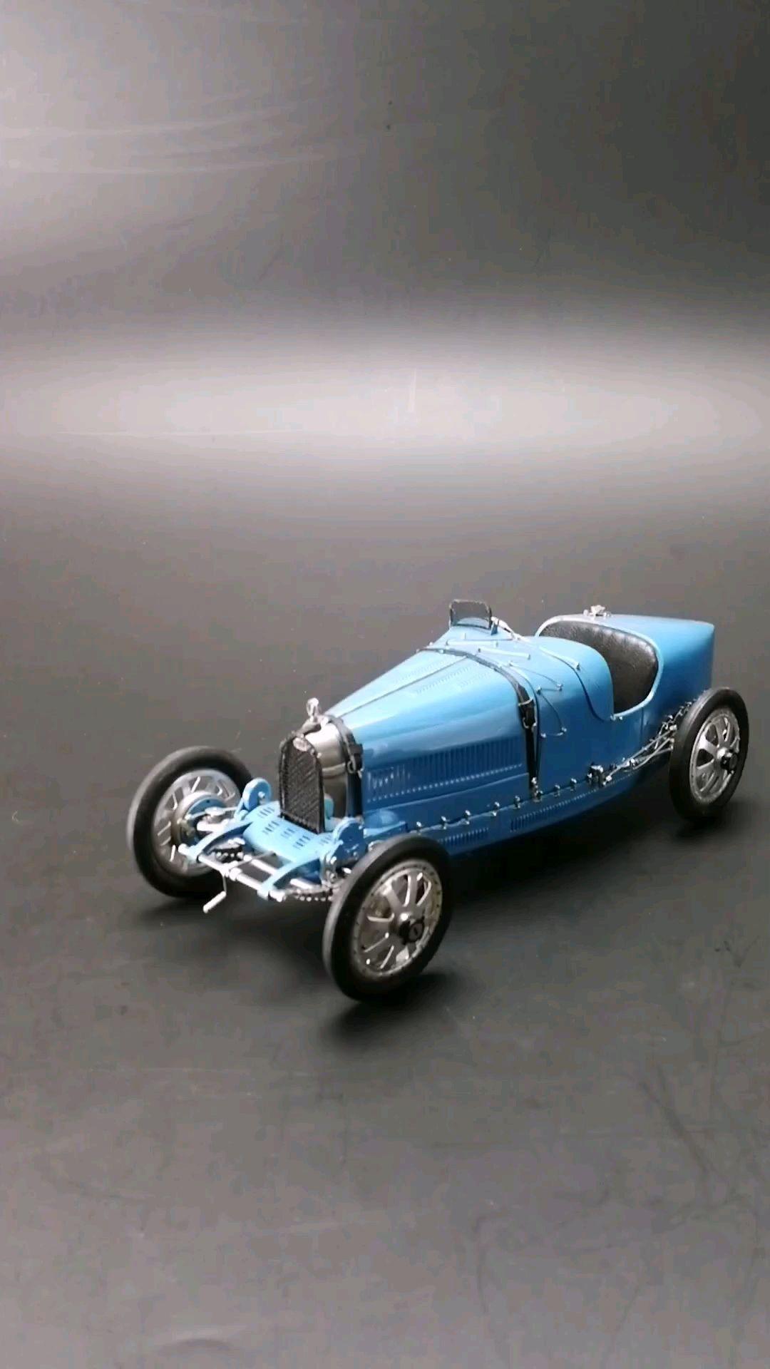 法国千冠王布加迪T35型赛车  1924年,1:18比例,东晓汽车模型收藏馆藏品。