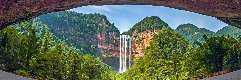 故地重游四面山,天下第一心与华夏第一高瀑同框,爱情天梯的故事