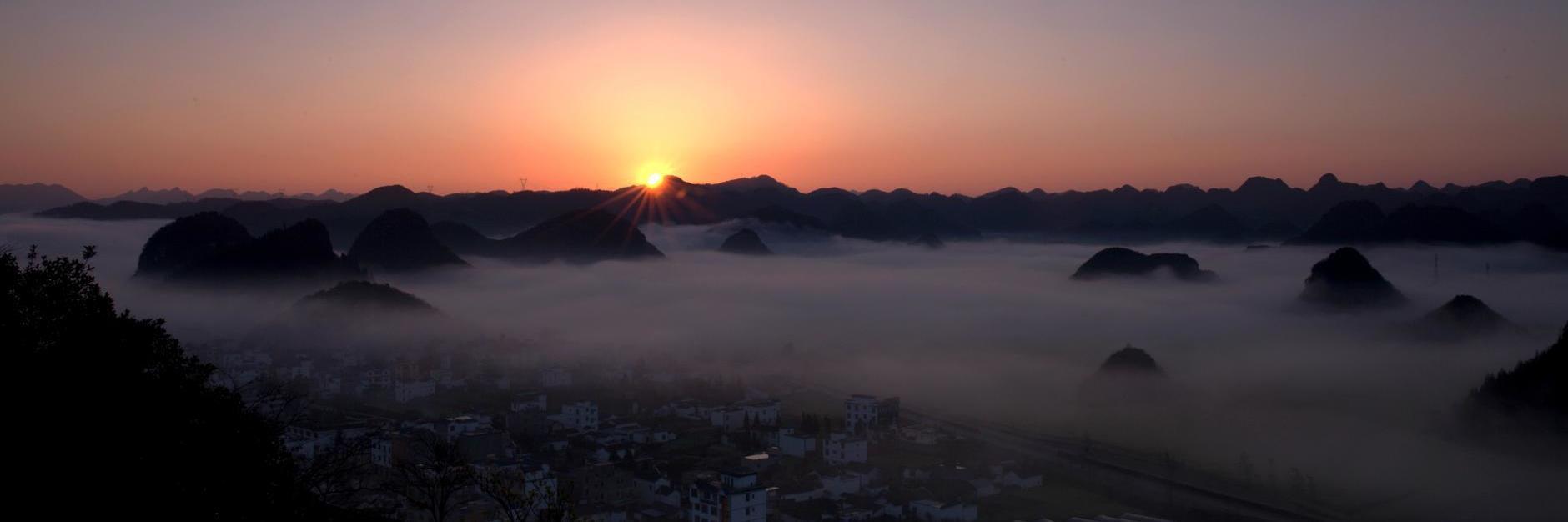 来到壮丽的七彩云南,被大自然的奇观与哈尼族人的精神所感动