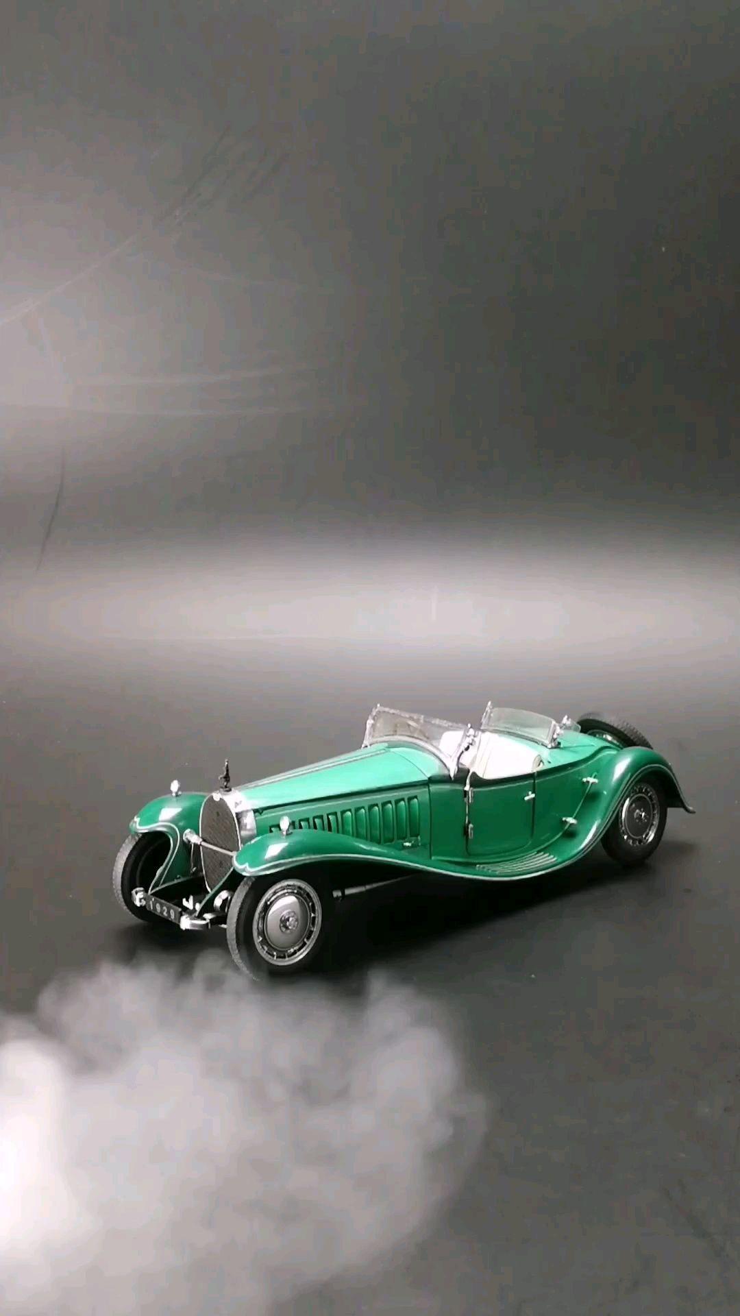 1929布加迪皇家41型敞篷跑车。1:24比例,东晓汽车模型收藏馆藏品。