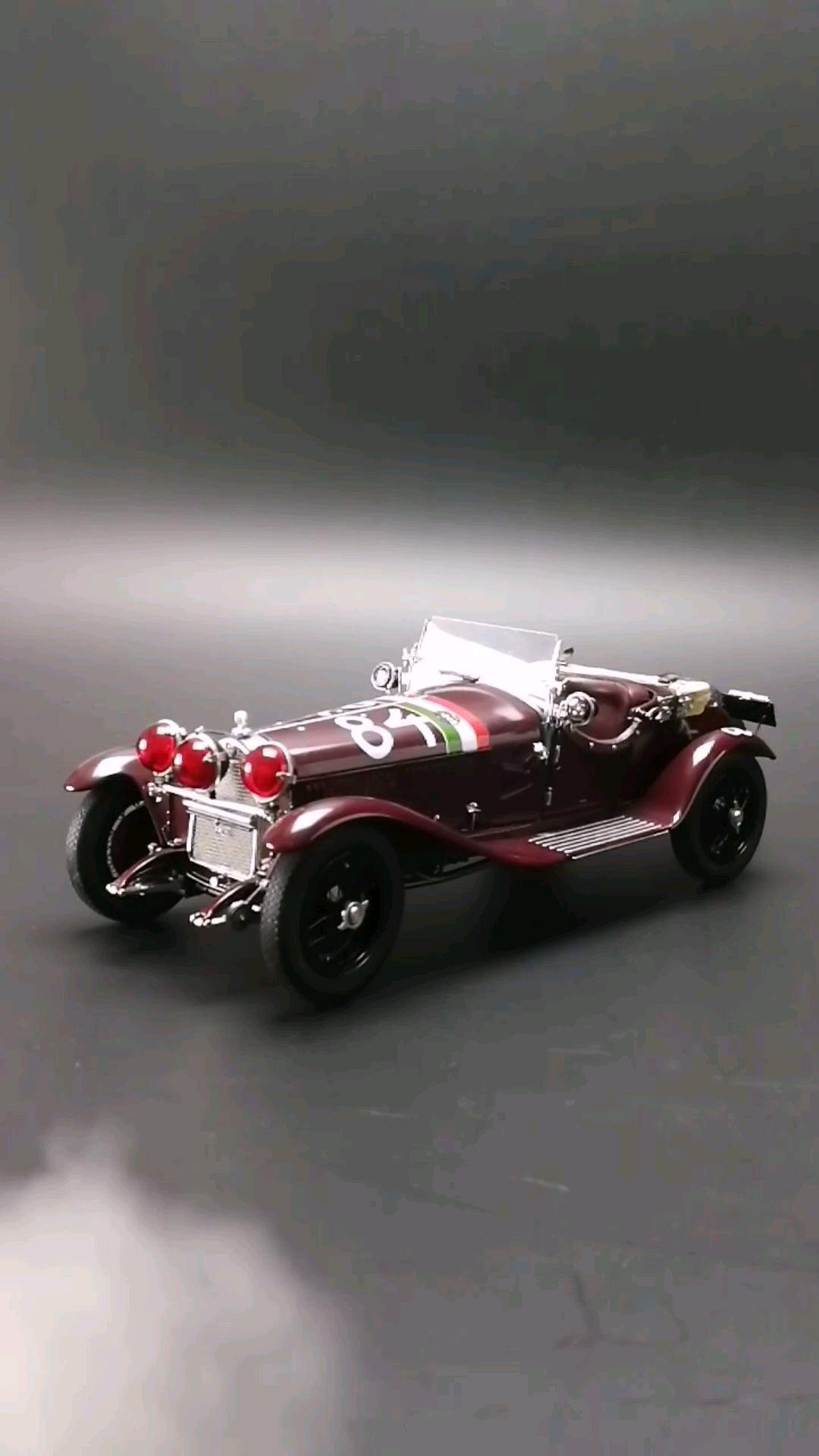 1928阿尔法罗密欧6C赛车,1:18比例,东晓汽车模型收藏馆藏品。