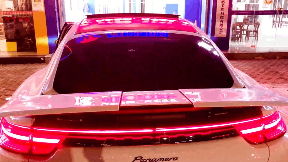 2020款保时捷帕纳梅拉改装原厂三段式电动尾翼、氛围灯、完工