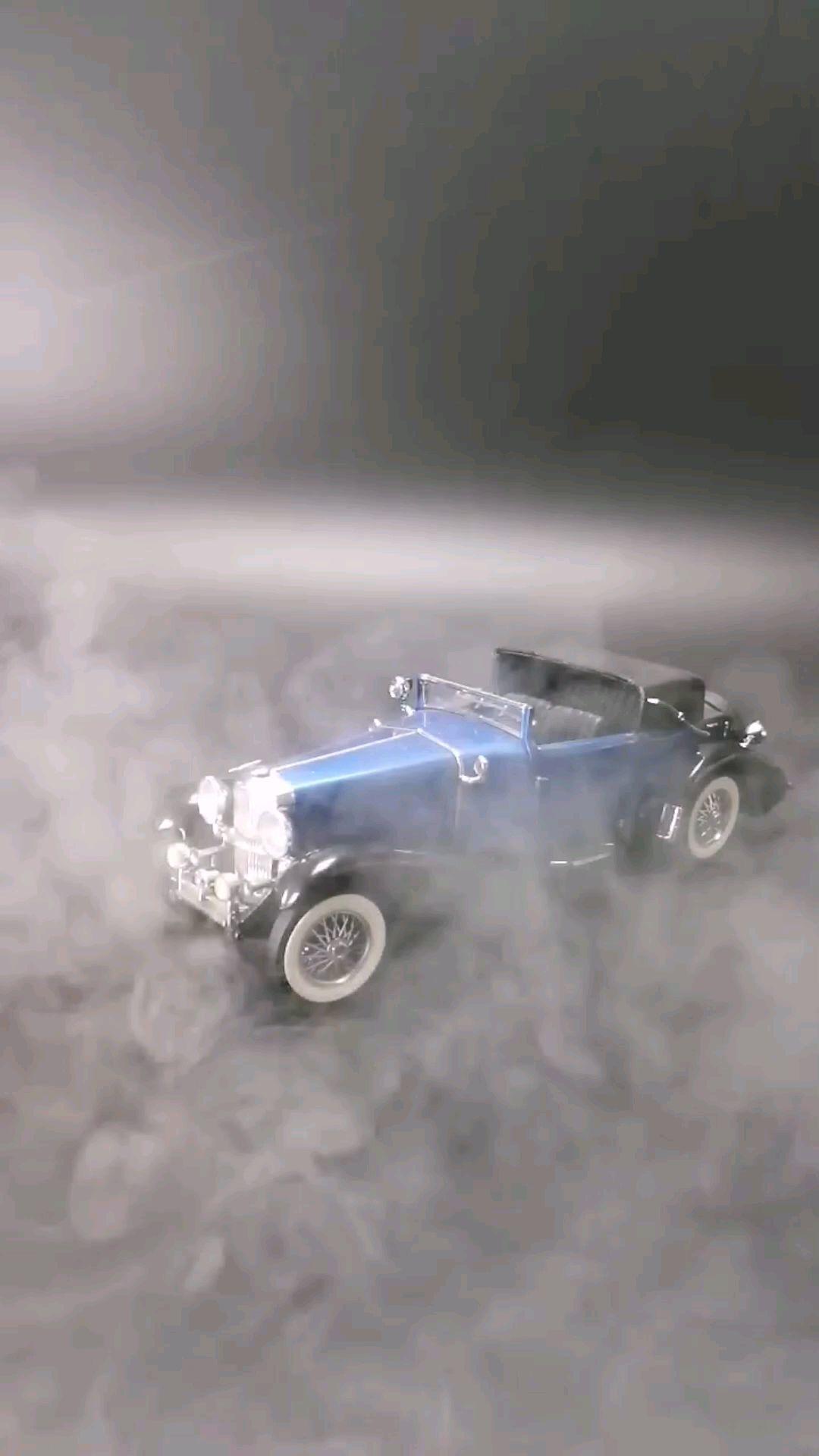 1933美国求盛伯格J维多利亚轿跑车,1:24,东晓汽车模型收藏馆藏品。