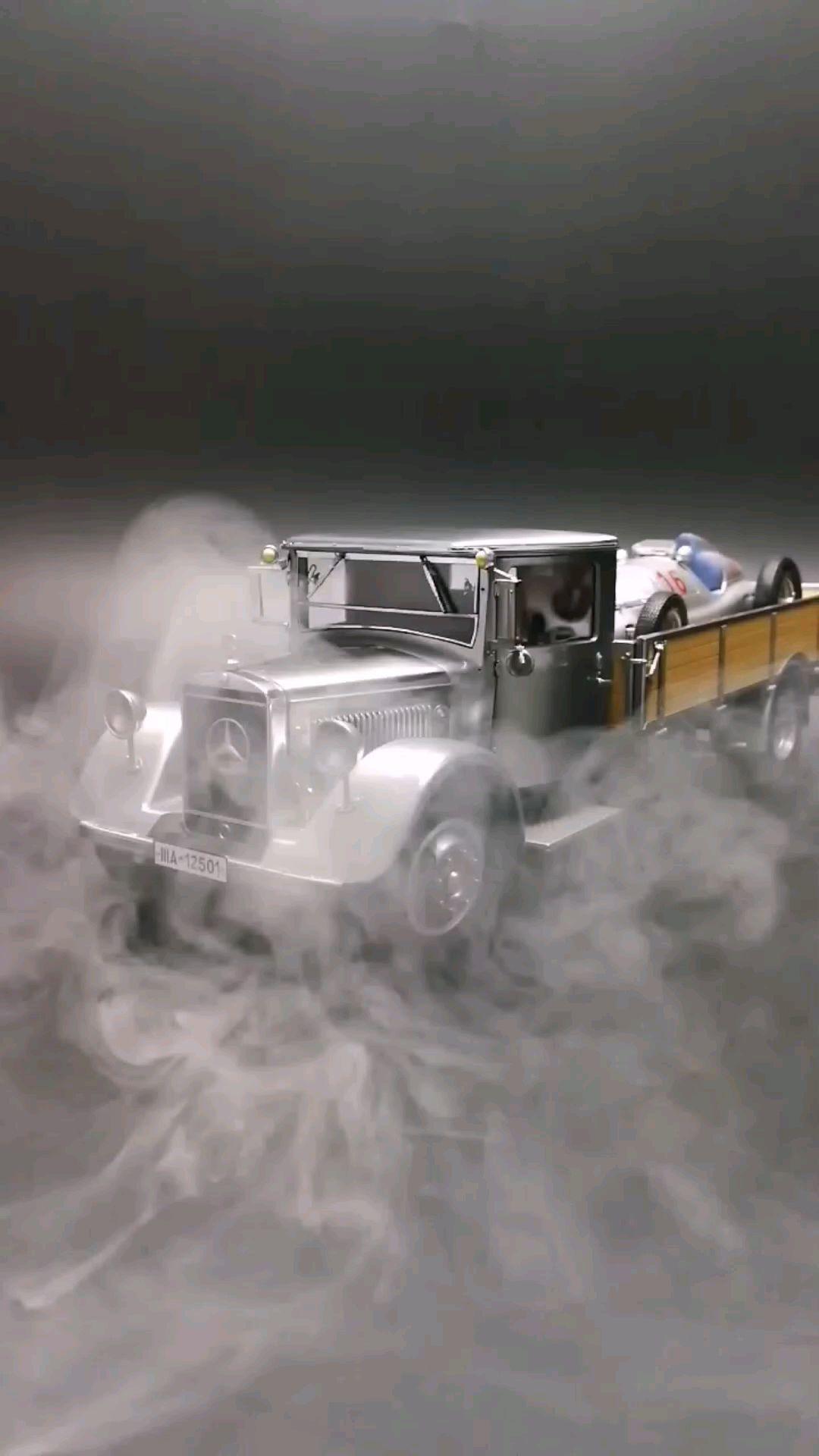 1934奔驰木头车箱卡车,1:18比例,东晓汽车模型收藏馆藏品。