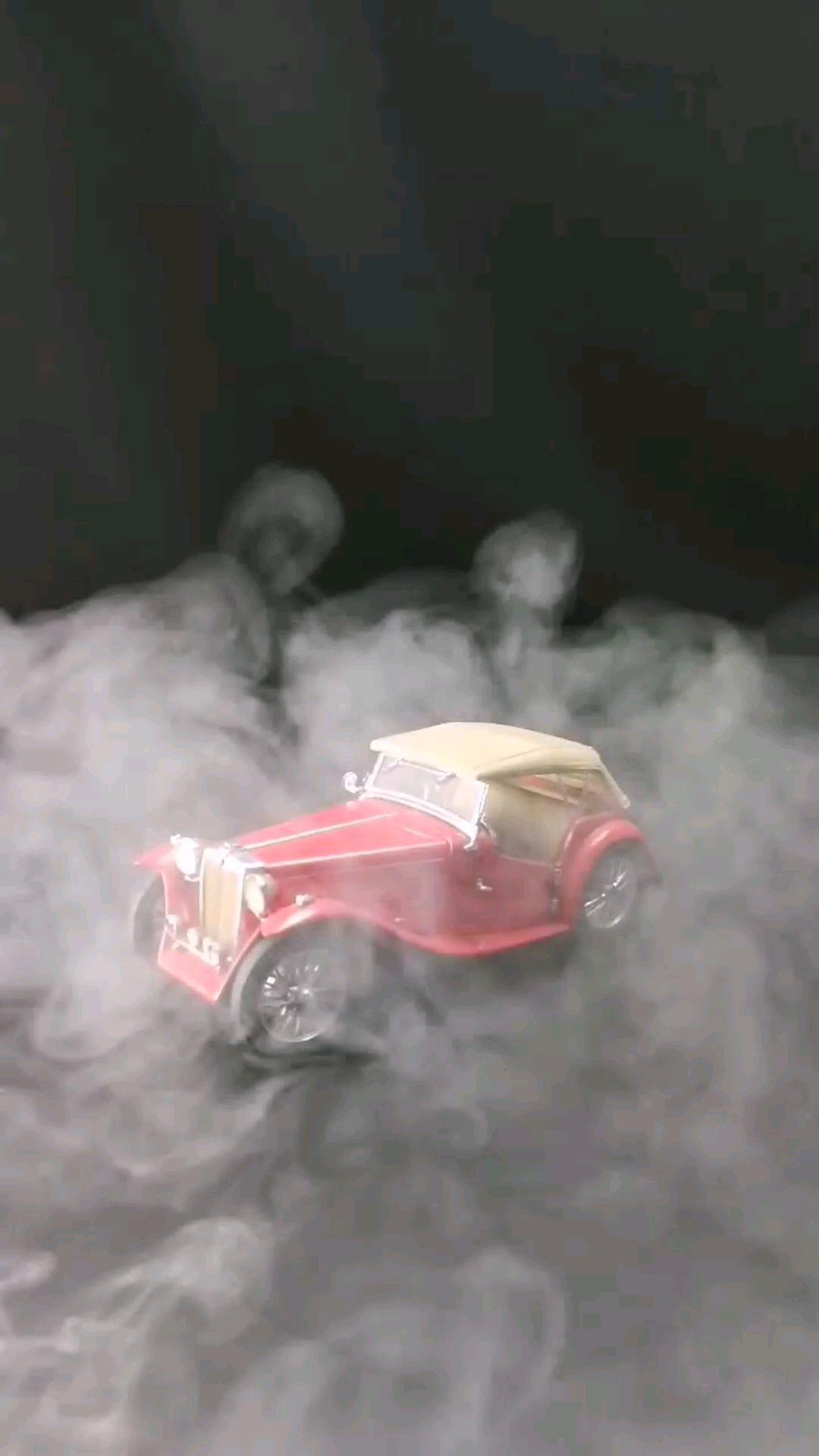 1948英国MGTC小跑车,1:24,东晓汽车模型收藏馆藏品。