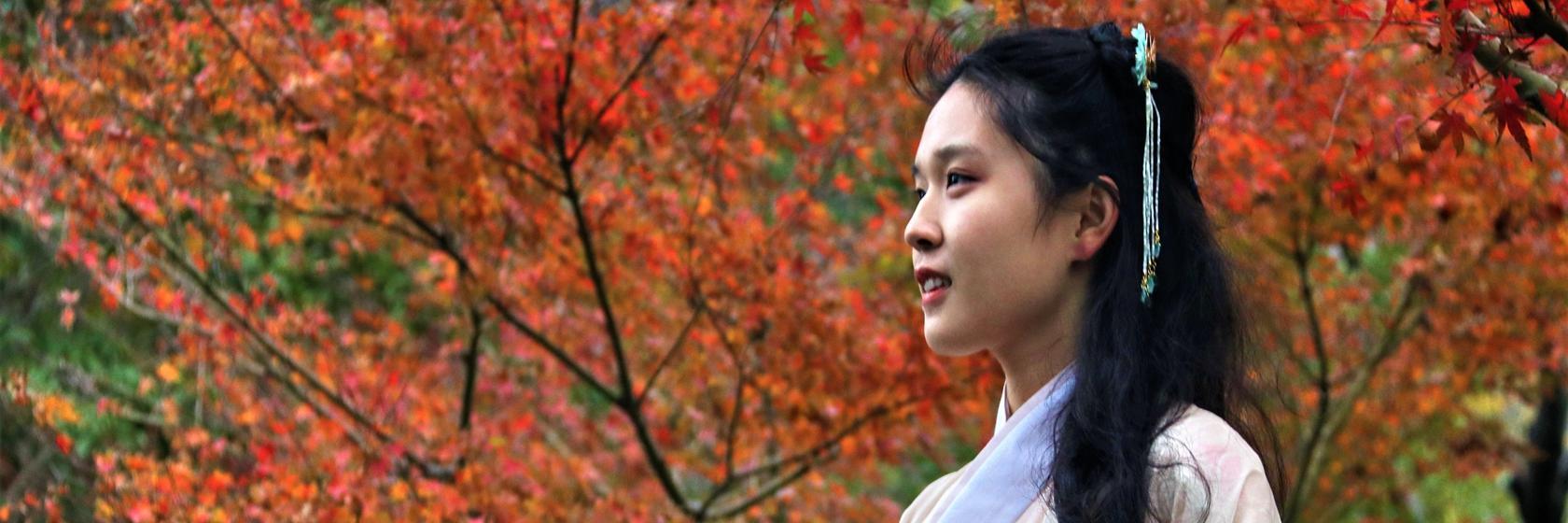 """与汉服美女游览""""梁山伯与祝英台""""的传说出处——杭州万松书院"""
