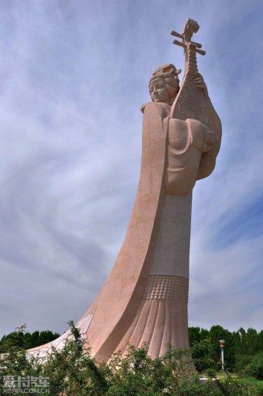 位于陕西省神木县尔林兔镇与内蒙古鄂尔多斯市新街镇
