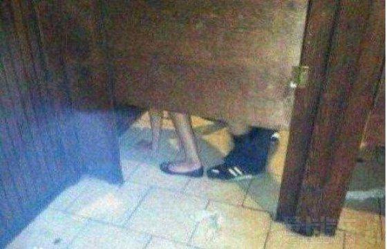 wc厕所高清偷拍_昨天晚上酒店吃饭去wc偷拍的!