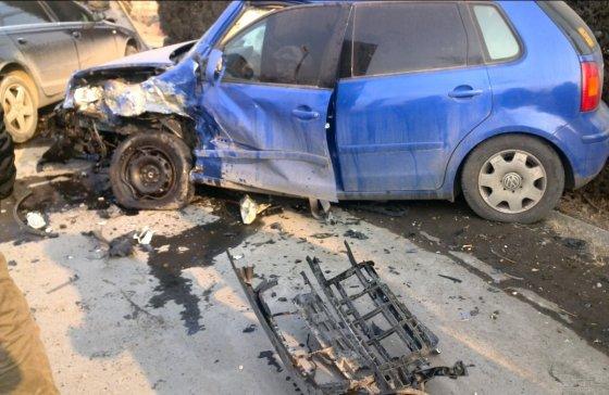 你好在吗我朋友在高速上超速行驶撞上护栏自己死亡了。保险公司...