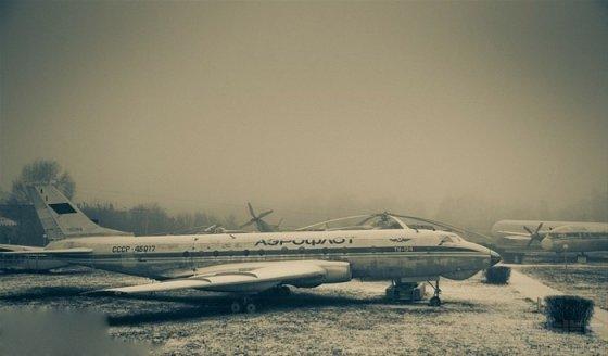 俄罗斯飞机坟场美图欣赏