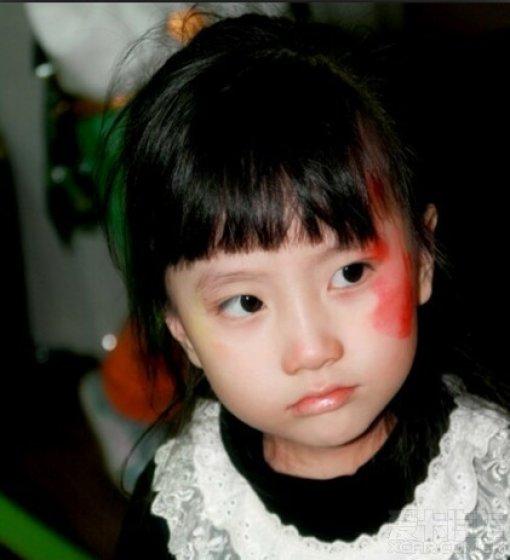 可爱的小天使懵懂图片:独自守候诺言; 生气的小小也别具韵味,这妆真