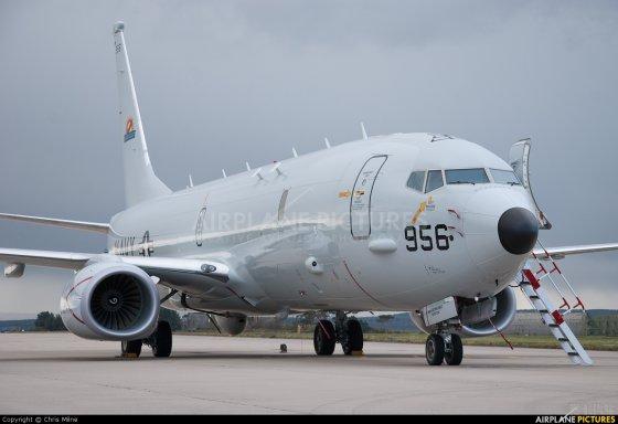 有报道称:美国的p8海神巡逻机正驶往南印度洋出事海域