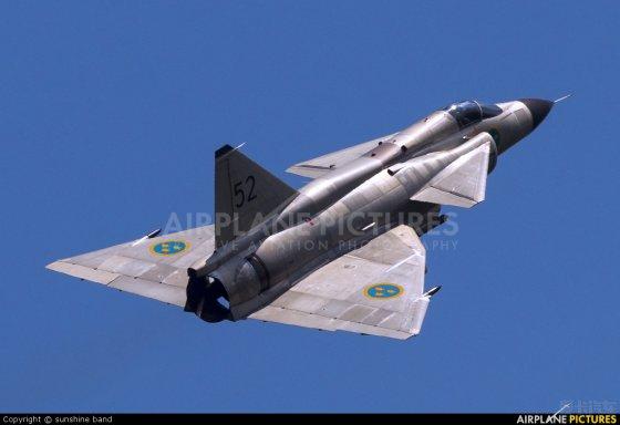 经典的三角翼飞机 瑞典saab-37