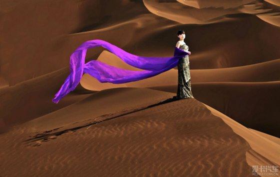 【精华】一组沙漠与美女