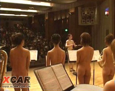 日本全裸女子乐团登台表演 - 大图音画教程-FL