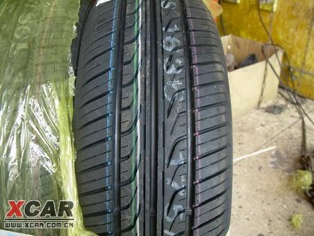锦湖175 60    轮胎的花纹!看起来不错!比韩泰 155和gt175 60 都强!