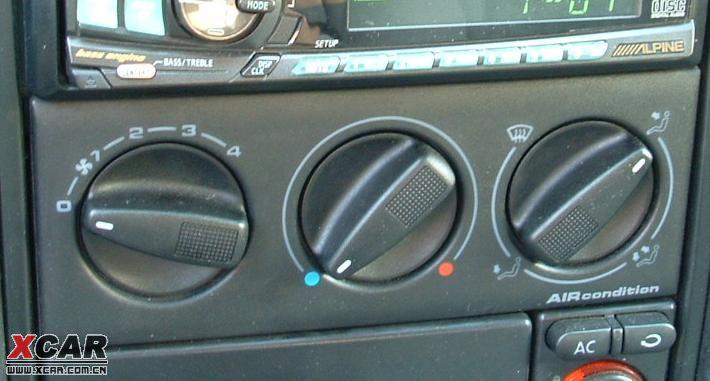 捷达空调控制面板三个旋钮,只有中间的亮
