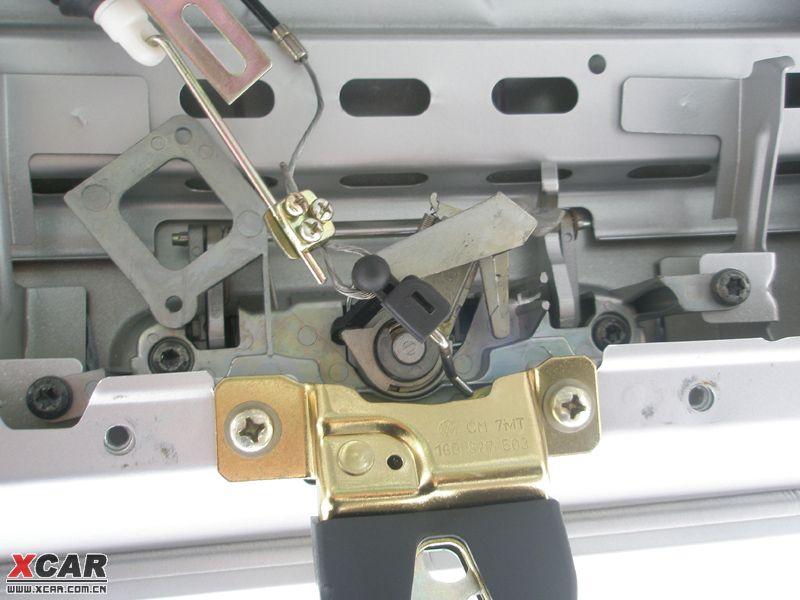 DIY 后备箱电动马达的拉线辅助功能改造作业高清图片