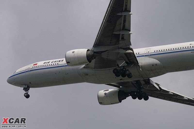 上几张24-85mm拍的飞机照片