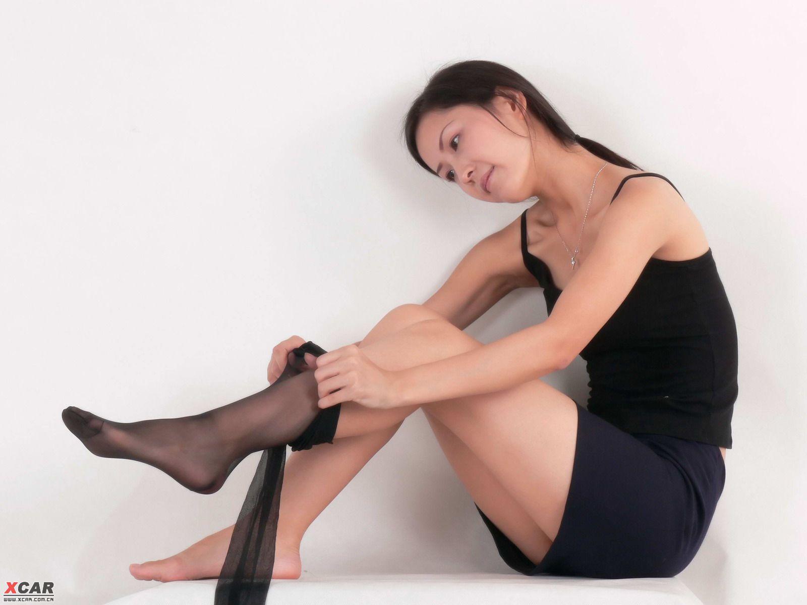 发图赚分 美女脱丝袜