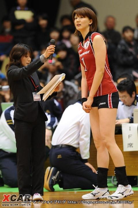 和巴西的女排比赛 发现日本排球队几乎个个是美女 竖