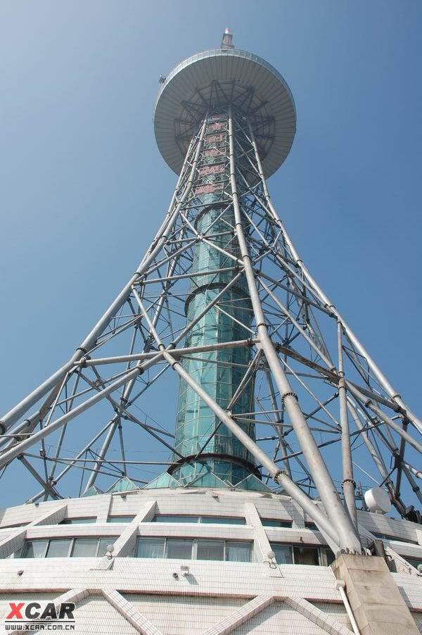 好像是蛮高的电视塔