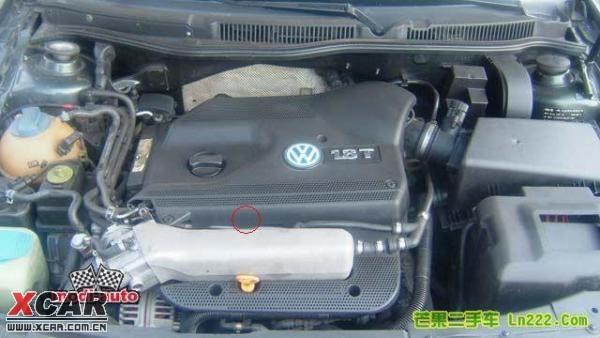 为什么老宝来1.8t的发动机机油尺的位置不一样?图片
